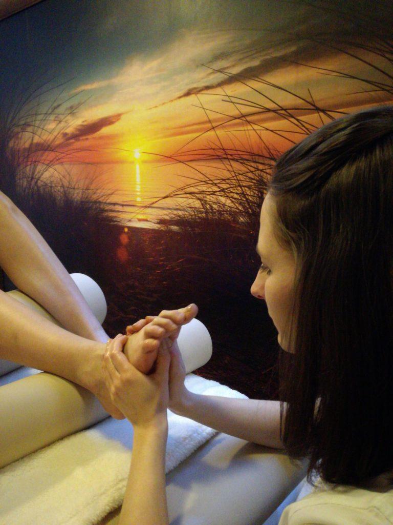 Masaż stóp i dłoni
