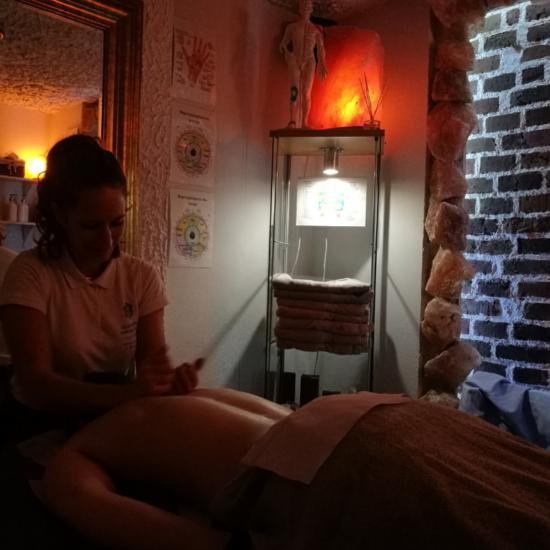 Nowość – odprężający masaż ciepłym olejem kokosowym lub aromatycznym masłem shea!