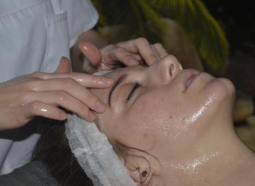 Na jesienną chandrę – masaż ANTI-FATIGUE twarzy!