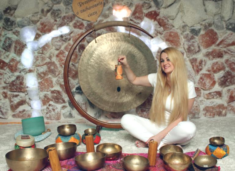 koncert mis gongów i innych instrumentów